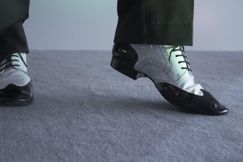 Γραπτά αρσενικά χορεύοντας παπούτσια στοκ φωτογραφία με δικαίωμα ελεύθερης χρήσης