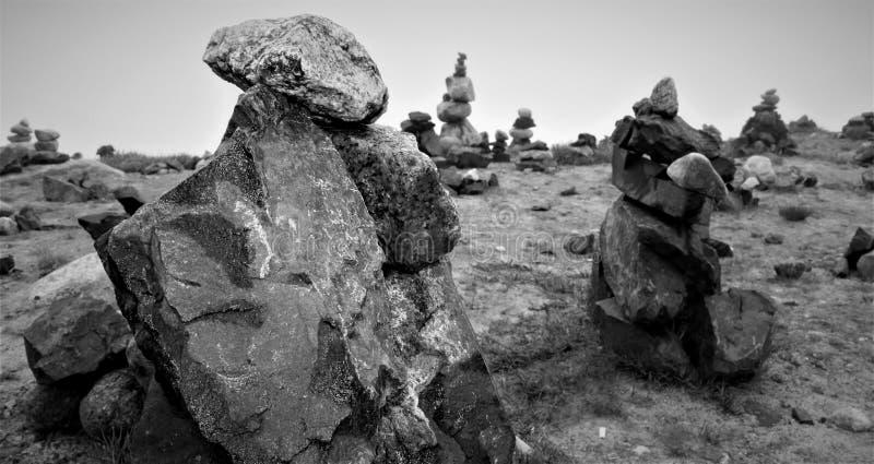 Γραπτοί πύργοι βράχου στοκ εικόνα με δικαίωμα ελεύθερης χρήσης