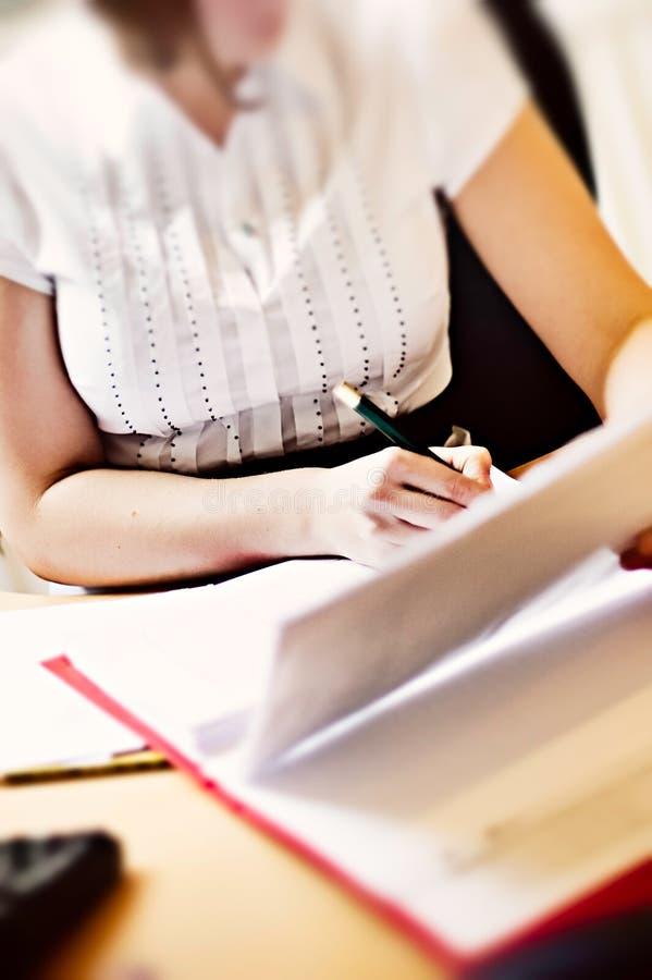 γραφική εργασία επιχειρ&et στοκ φωτογραφία με δικαίωμα ελεύθερης χρήσης