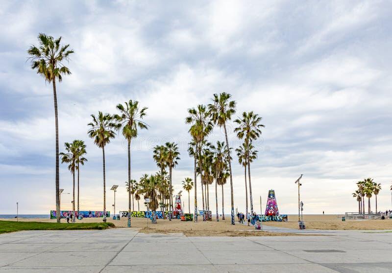 Γραφική παραλία στη Βενετία με φοίνικες στοκ φωτογραφία με δικαίωμα ελεύθερης χρήσης