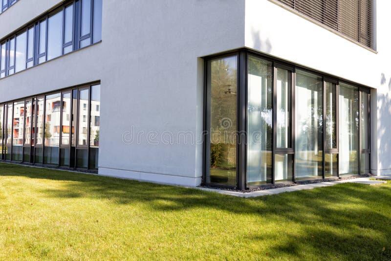 γυαλί αρχιτεκτονικής σύ&gam στοκ εικόνες