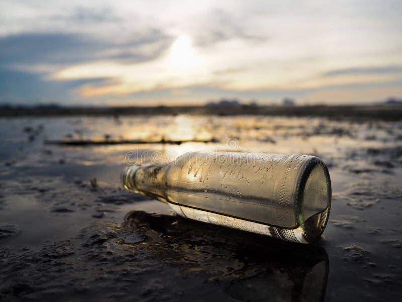 Γυαλί μπουκαλιών στοκ φωτογραφία με δικαίωμα ελεύθερης χρήσης
