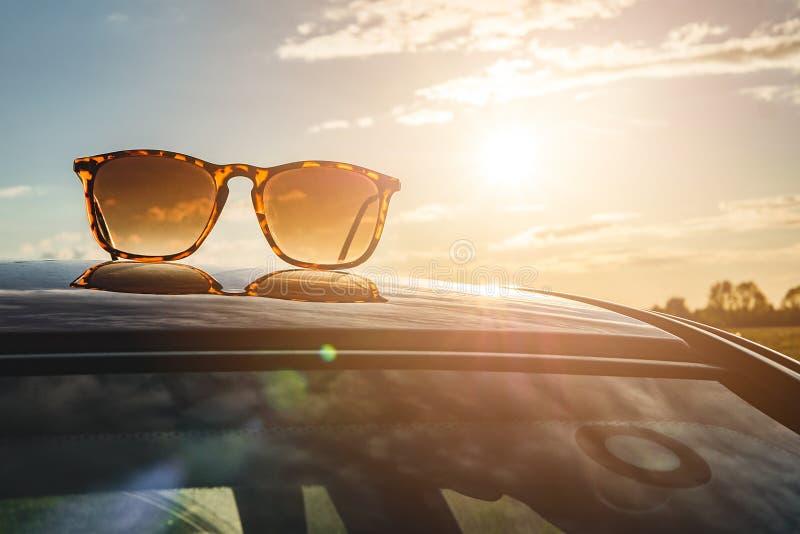 Γυαλιά ηλίου, καλοκαίρι στοκ εικόνες