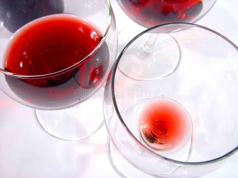 Download γυαλιά στοκ εικόνες. εικόνα από wineglasses, γυαλιά, nightlife - 105186