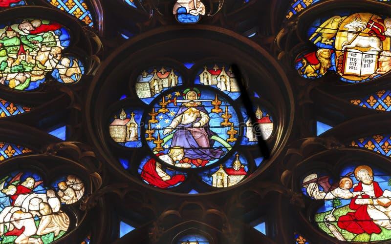 Γυαλί Sainte Chapelle Παρίσι Γαλλία του Ιησού Sword Rose Window Stained στοκ φωτογραφία με δικαίωμα ελεύθερης χρήσης