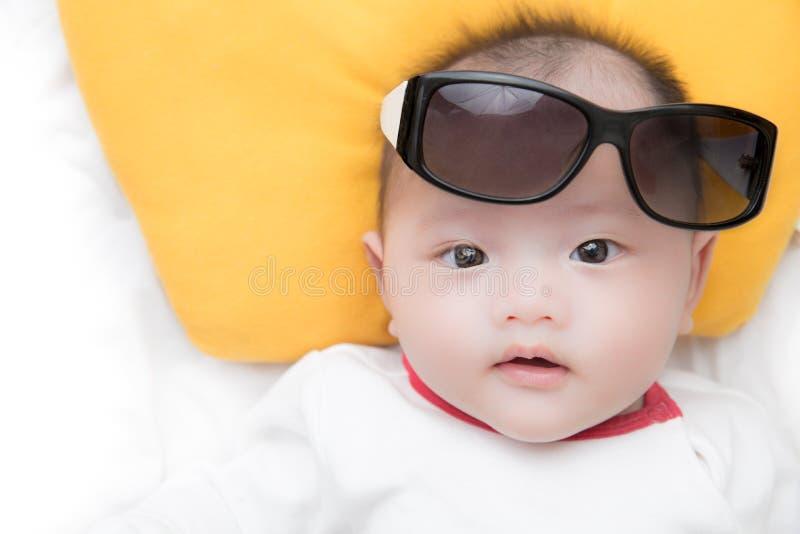 γυαλιά ηλίου μωρών στοκ εικόνες με δικαίωμα ελεύθερης χρήσης