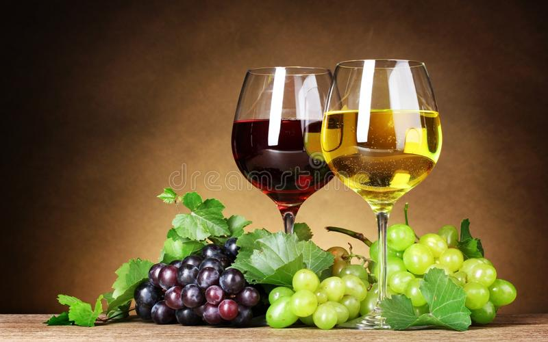 Γυαλιά κρασιού στοκ φωτογραφίες με δικαίωμα ελεύθερης χρήσης