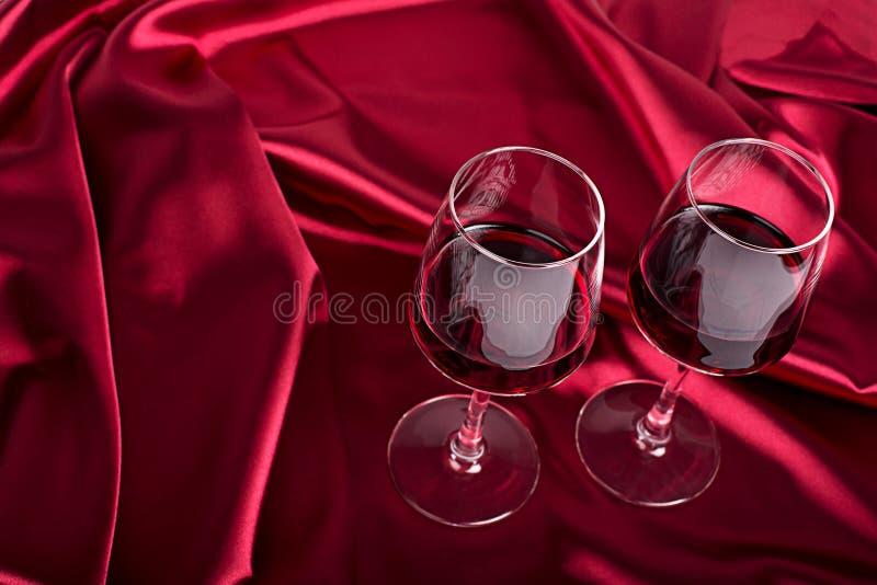 γυαλιά δύο κρασί στοκ εικόνες με δικαίωμα ελεύθερης χρήσης
