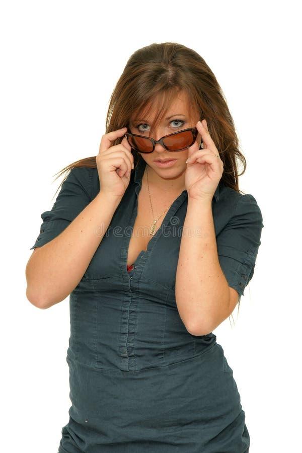 Γυαλιά brunette πορτρέτου στοκ εικόνες με δικαίωμα ελεύθερης χρήσης