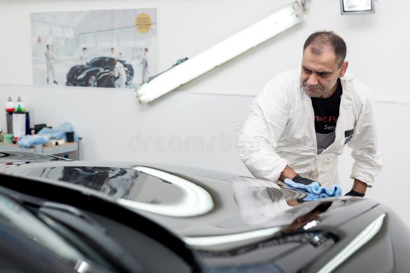 Γυαλισμένο μαύρο αυτοκίνητο στοκ εικόνες με δικαίωμα ελεύθερης χρήσης
