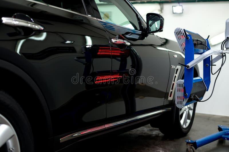 Γυαλισμένο μαύρο αυτοκίνητο στοκ εικόνα με δικαίωμα ελεύθερης χρήσης