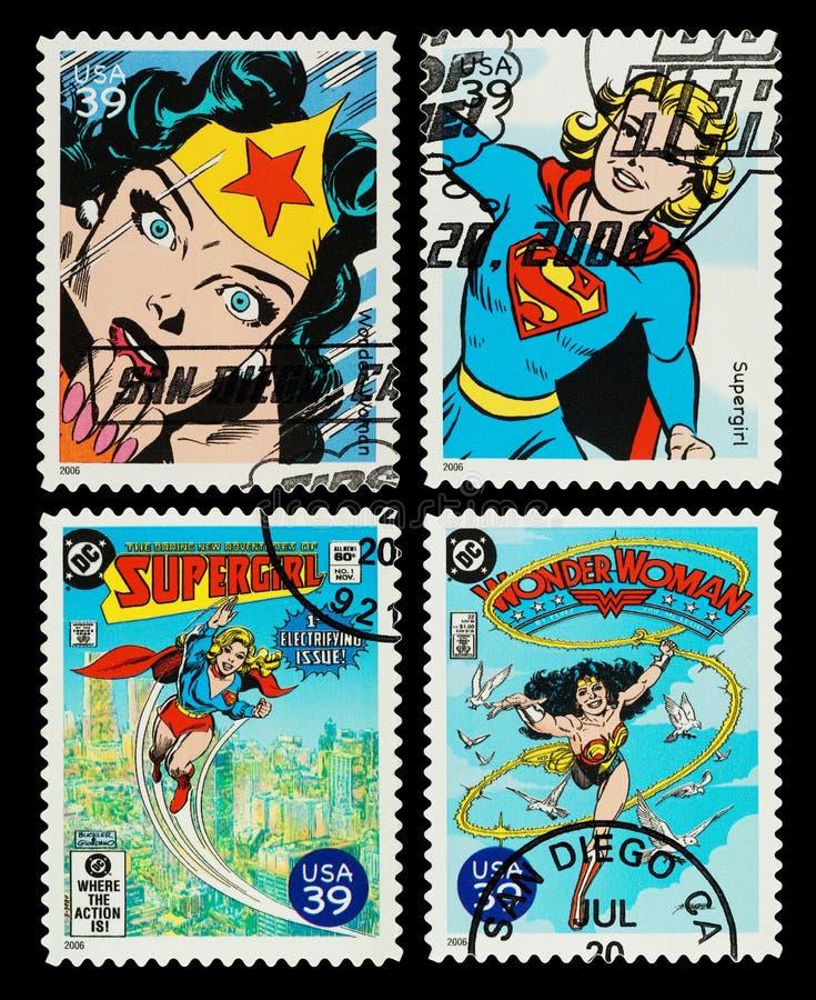 Γυναίκα ΑΜΕΡΙΚΑΝΙΚΗΣ κατάπληξης και γραμματόσημα Supergirl στοκ εικόνες με δικαίωμα ελεύθερης χρήσης