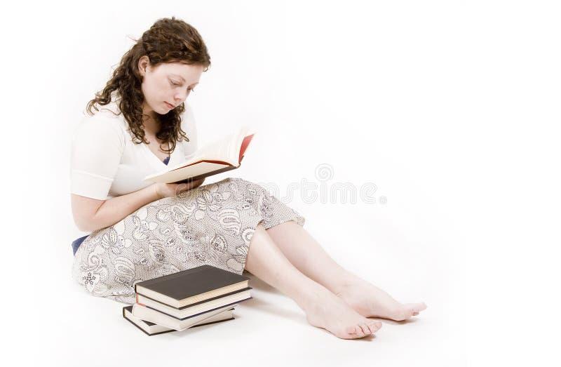 γυναίκα ανάγνωσης στοκ εικόνα