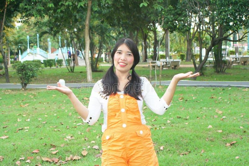 Download Γυναίκα Ασιάτης στοκ εικόνα. εικόνα από ασιατικοί, πόλη - 62702265