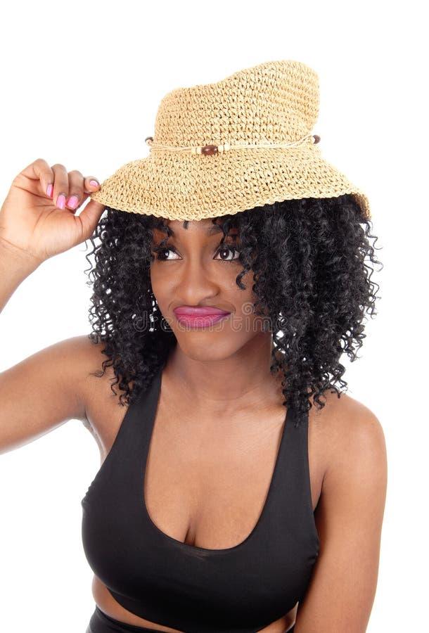 Γυναίκα αφροαμερικάνων με το καπέλο αχύρου στοκ εικόνες