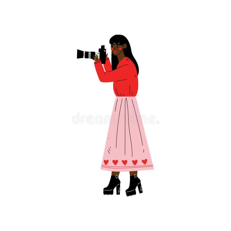 Γυναίκα αφροαμερικάνων που παίρνει τις φωτογραφίες με τη ψηφιακή κάμερα, θηλυκός χαρακτήρας φωτογράφων που κάνει το διάνυσμα εικό διανυσματική απεικόνιση