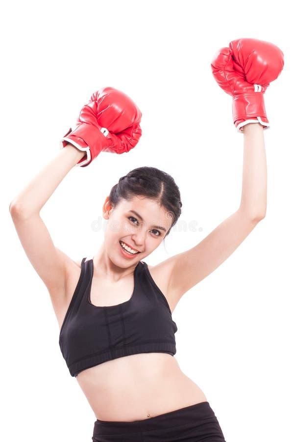 Γυναίκα ικανότητας με τα κόκκινα εγκιβωτίζοντας γάντια στοκ φωτογραφίες με δικαίωμα ελεύθερης χρήσης