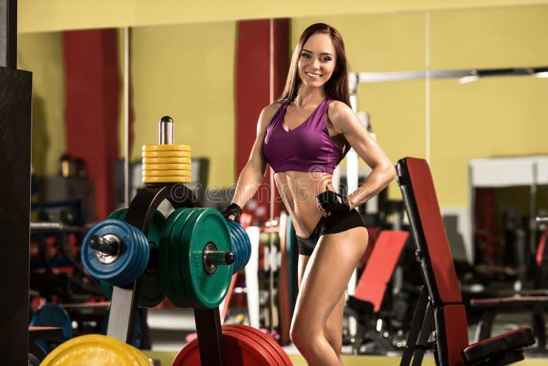 Γυναίκα ικανότητας στη γυμναστική στοκ εικόνα με δικαίωμα ελεύθερης χρήσης