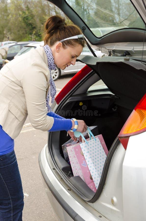 Γυναίκα και αυτοκίνητο Στοκ Εικόνες