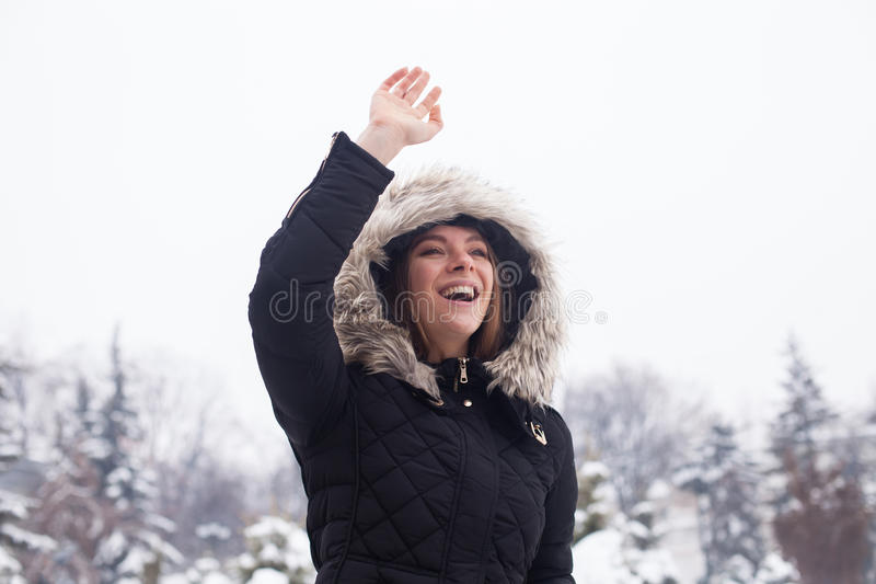 Γυναίκα και χειμώνας στοκ εικόνα με δικαίωμα ελεύθερης χρήσης