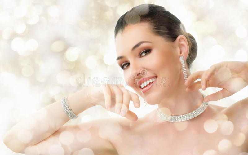 γυναίκα κοσμήματος στοκ εικόνες με δικαίωμα ελεύθερης χρήσης
