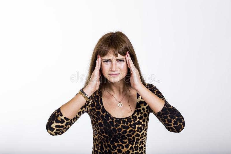 Γυναίκα με έναν πονοκέφαλο στοκ φωτογραφία με δικαίωμα ελεύθερης χρήσης