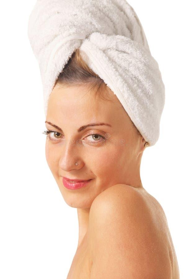 Γυναίκα με μια πετσέτα στοκ φωτογραφία με δικαίωμα ελεύθερης χρήσης
