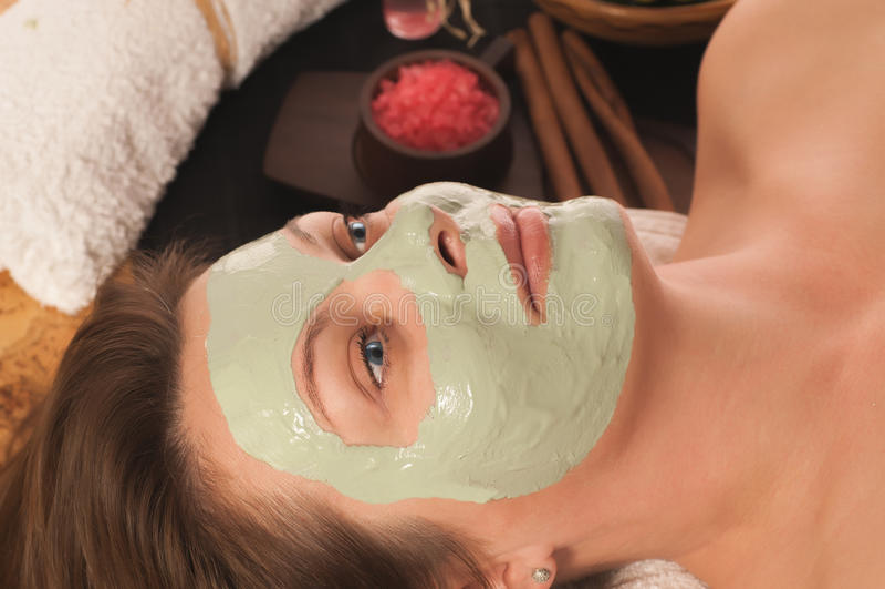 Γυναίκα με τη μάσκα SPA στοκ εικόνες