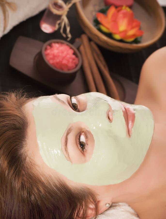 Γυναίκα με τη μάσκα SPA στοκ εικόνα