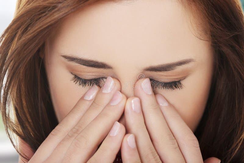 Γυναίκα με τον πόνο πίεσης κόλπων στοκ φωτογραφίες