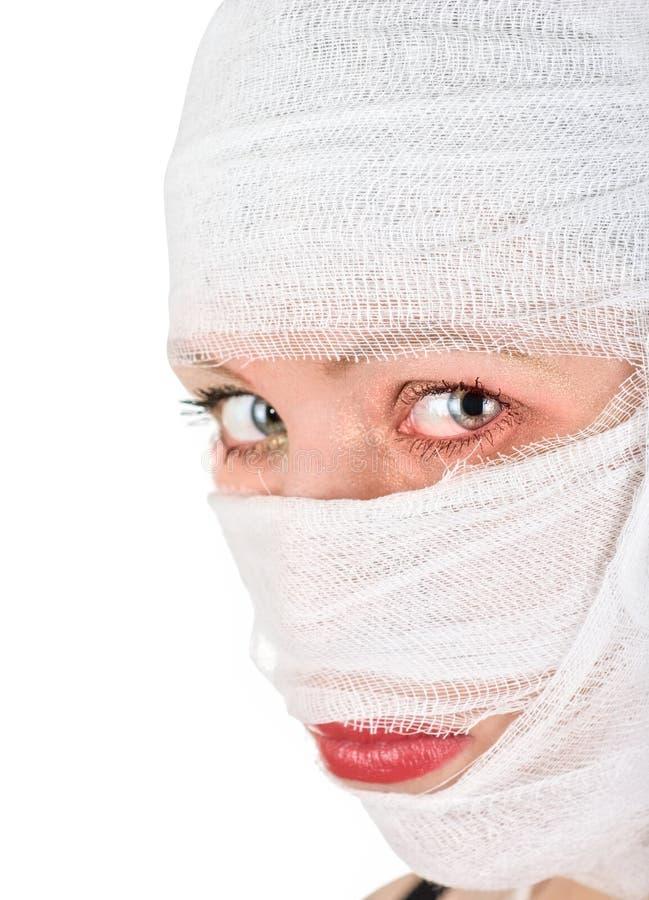 Download Γυναίκα με τους επιδέσμους στοκ εικόνα. εικόνα από χείλια - 13189561