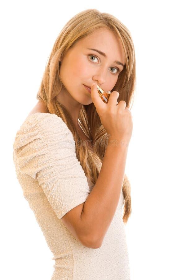 Γυναίκα με το άρωμα στοκ φωτογραφίες με δικαίωμα ελεύθερης χρήσης