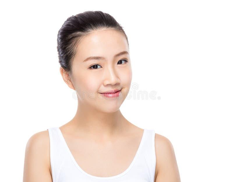 Γυναίκα με το καθαρό δέρμα στοκ φωτογραφία