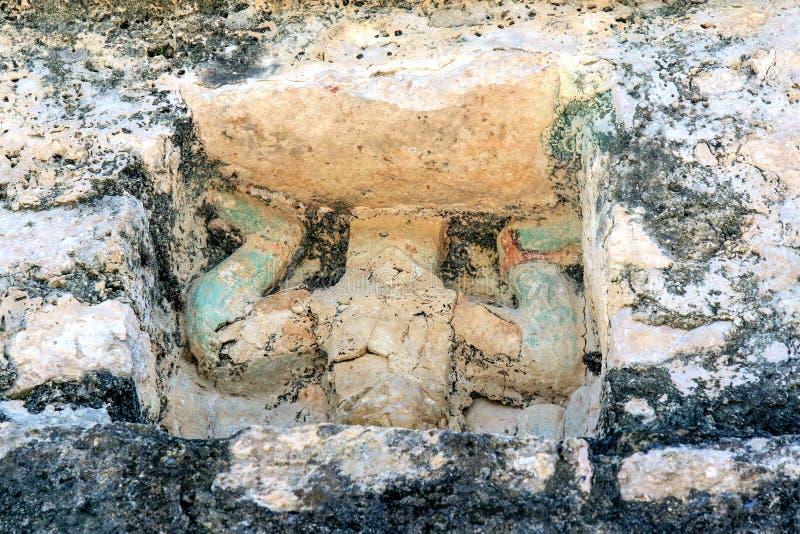 Γυναίκα με το καλάθι επί του τόπου Coba στοκ εικόνα με δικαίωμα ελεύθερης χρήσης