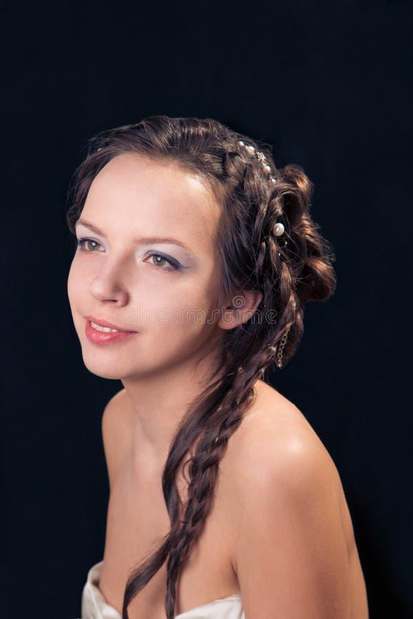 Γυναίκα με το hairdo πλεξουδών στοκ φωτογραφία με δικαίωμα ελεύθερης χρήσης