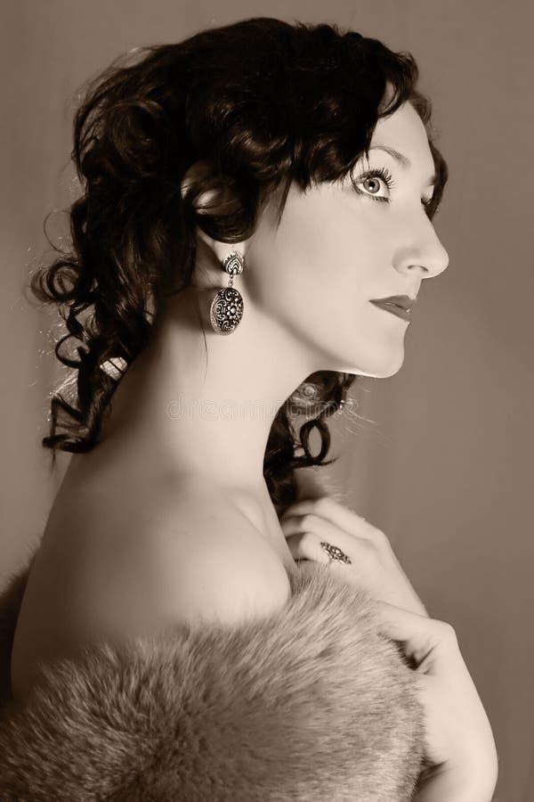 Γυναίκα μόδας αναδρομικός-ύφους στοκ φωτογραφίες