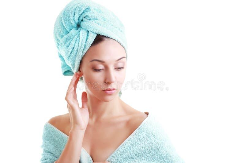 γυναίκα πετσετών που τυ&lamb στοκ εικόνες με δικαίωμα ελεύθερης χρήσης