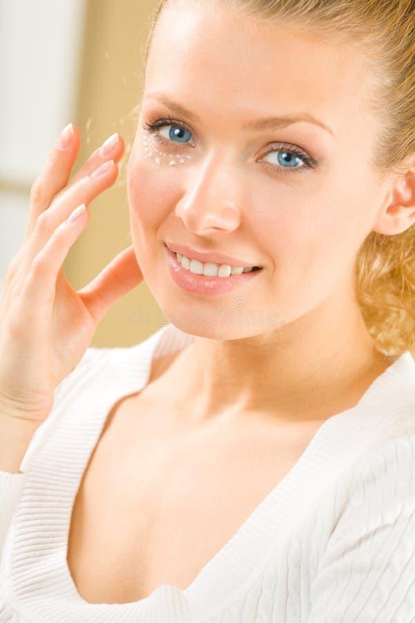 γυναίκα πορτρέτου κρέμας στοκ φωτογραφία με δικαίωμα ελεύθερης χρήσης