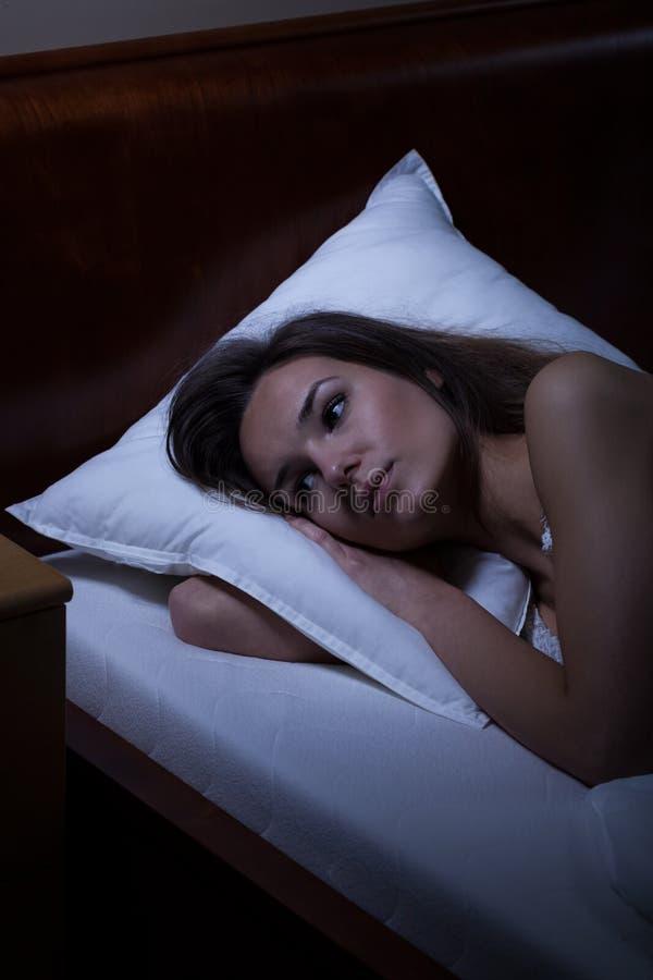 Γυναίκα που πάσχει από την αϋπνία στοκ φωτογραφίες με δικαίωμα ελεύθερης χρήσης