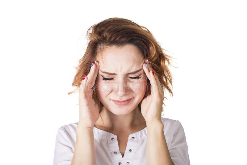 Γυναίκα που τρίβει το κεφάλι πόνου που απομονώνεται στο άσπρο υπόβαθρο στοκ εικόνες