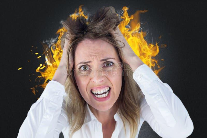 Γυναίκα που φωνάζει στον άνδρα παλεύοντας στο σπίτι απεικόνιση αποθεμάτων