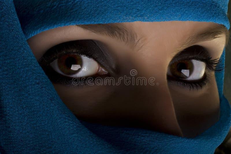 γυναίκα σαλιών προσώπου στοκ εικόνες
