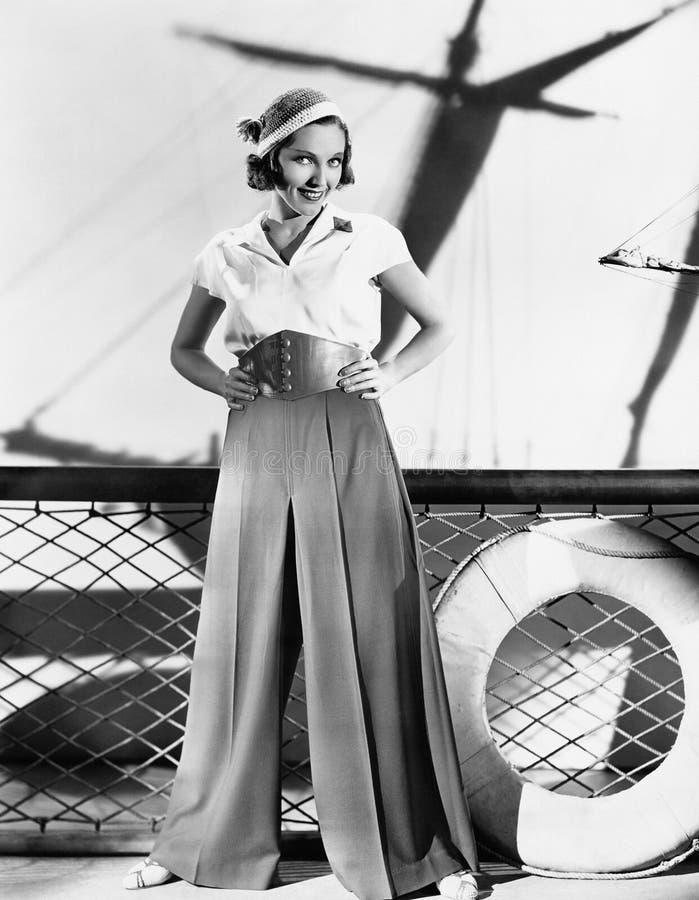 Γυναίκα στην εξάρτηση ναυτικών (όλα τα πρόσωπα που απεικονίζονται δεν ζουν περισσότερο και κανένα κτήμα δεν υπάρχει Εξουσιοδοτήσε στοκ φωτογραφία