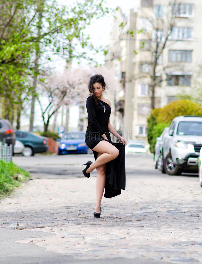 Γυναίκα στην πόλη στοκ φωτογραφίες με δικαίωμα ελεύθερης χρήσης