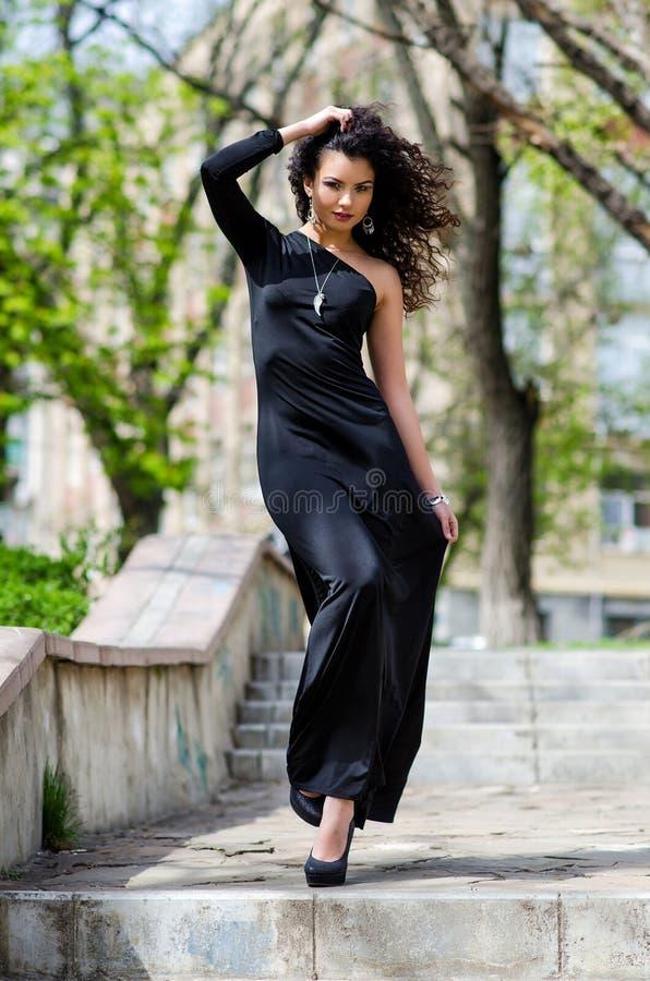 Γυναίκα στην πόλη στοκ εικόνες με δικαίωμα ελεύθερης χρήσης