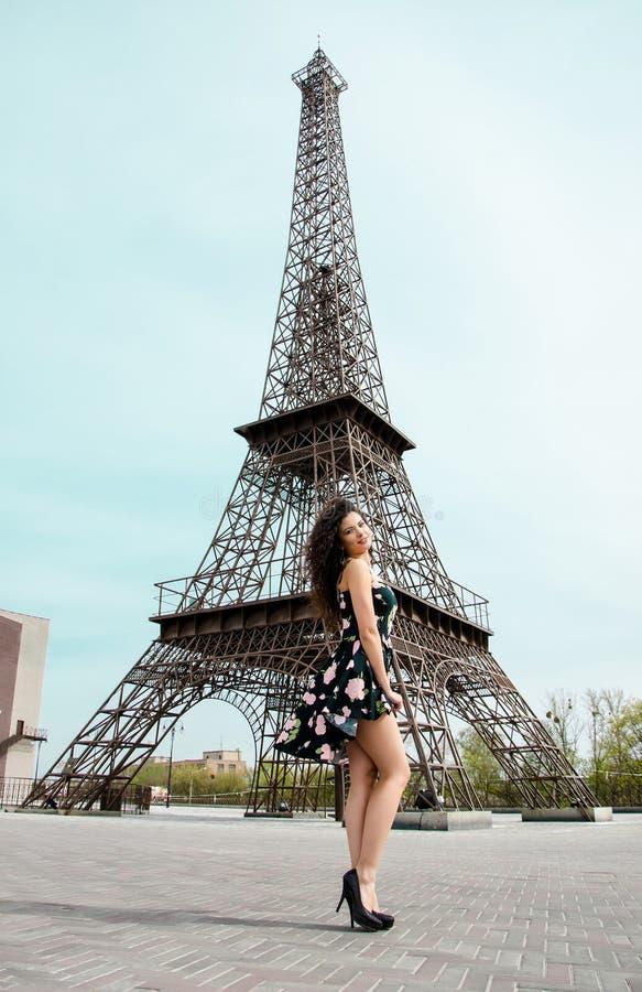Γυναίκα στην πόλη στοκ φωτογραφία