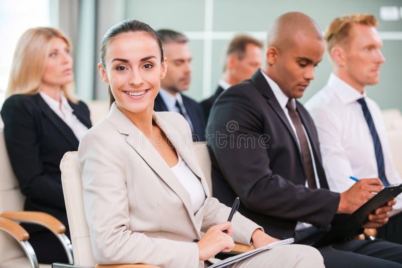 Γυναίκα στη διάσκεψη στοκ φωτογραφία