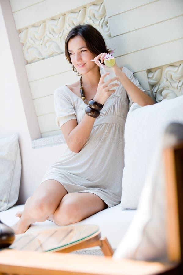 Γυναίκα στις διακοπές στοκ εικόνα με δικαίωμα ελεύθερης χρήσης