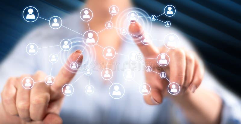 Γυναίκα σχετικά με ένα κοινωνικό δίκτυο μέσων στοκ εικόνες με δικαίωμα ελεύθερης χρήσης