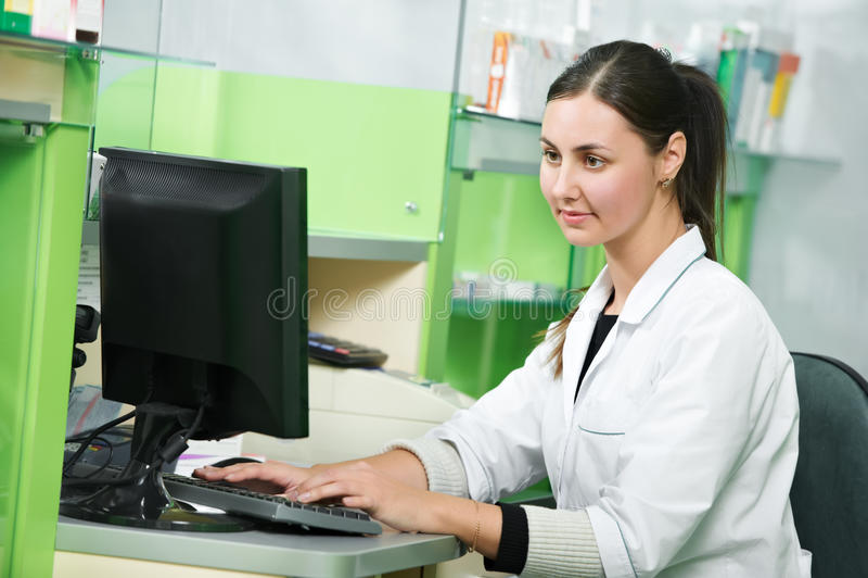 γυναίκα φαρμακείων φαρμα&k στοκ εικόνες